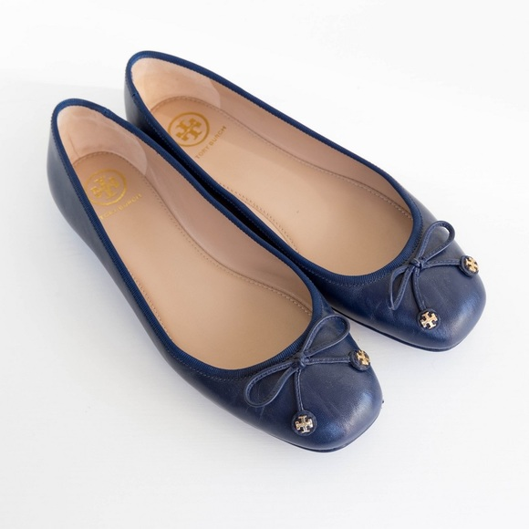 cef3b44dccf847 Tory Burch Shoes - Tory Burch - Laila Driver Flat in Navy Sea Size 7